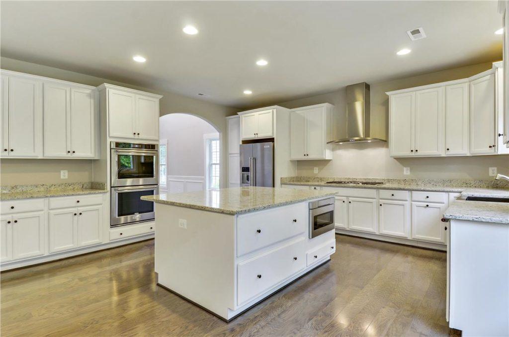 Main Level-Kitchen-_DSC3613