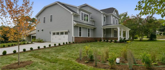Home Building FAQs: How Much Side Yard Do I Need For A Side Load Garage?