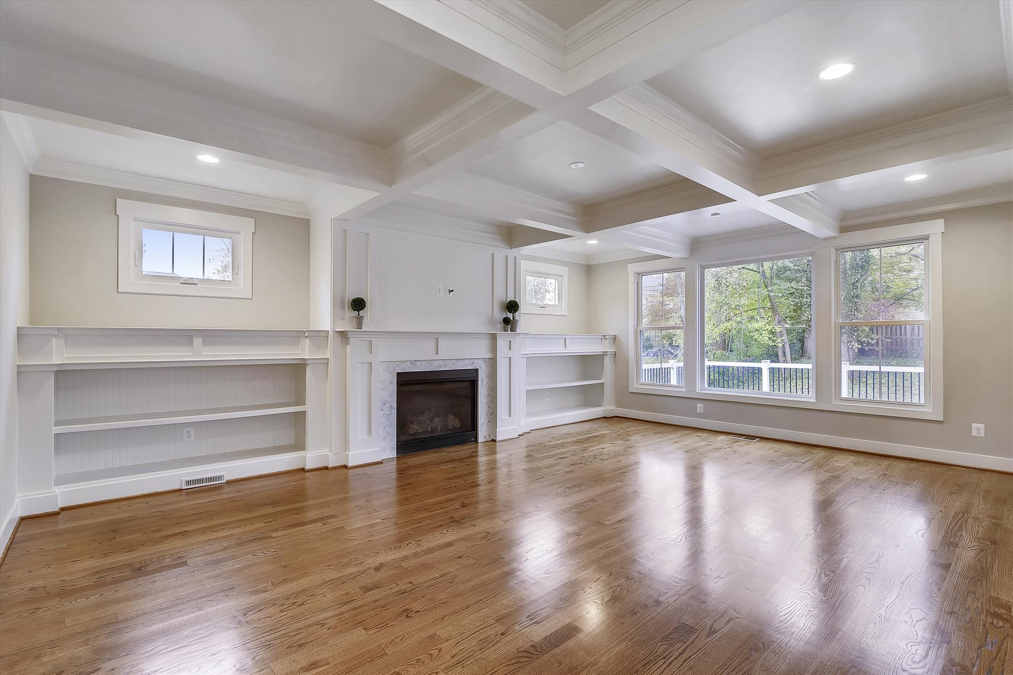 Main-Level-Living-Room-_DSC4240